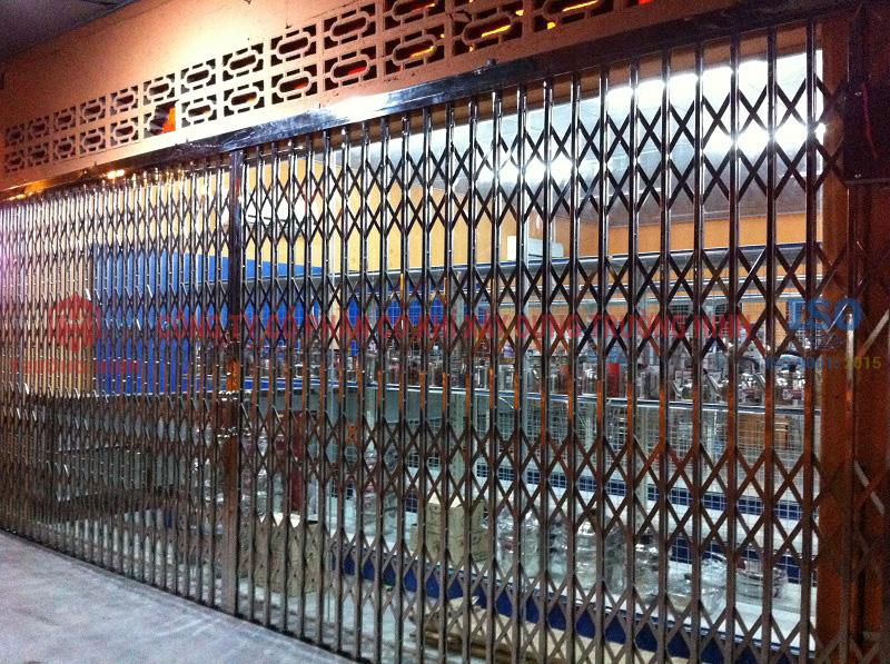 cửa xếp inox tại Thái Nguyên